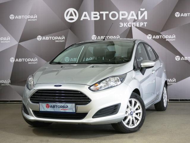 Купить б/у Ford Fiesta, 2015 год, 105 л.с. в Ульяновске