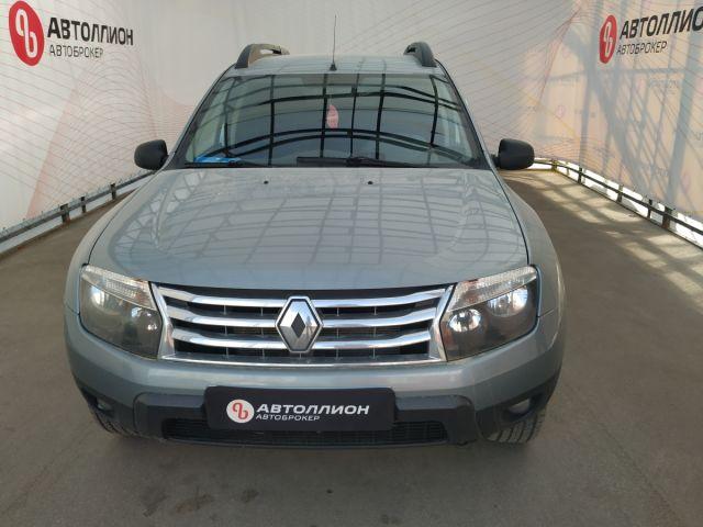 Купить б/у Renault Duster, 2013 год, 102 л.с. в России