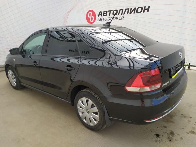 Купить б/у Volkswagen Polo, 2017 год, 110 л.с. в России