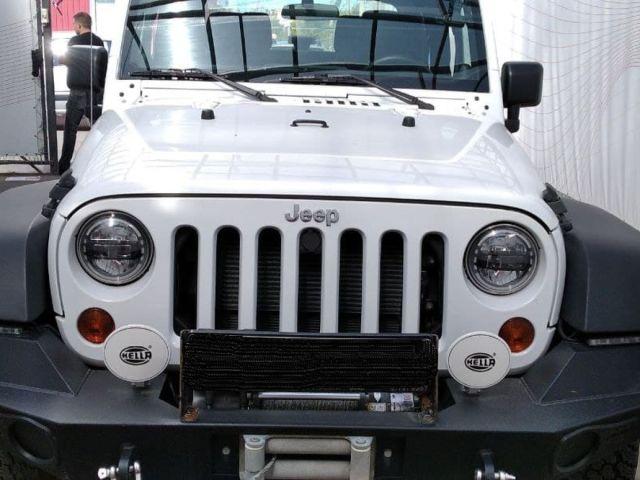 Купить б/у Jeep Wrangler, 2012 год, 284 л.с. в России