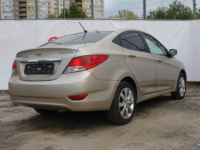 Купить б/у Hyundai Solaris, 2012 год, 123 л.с. в России